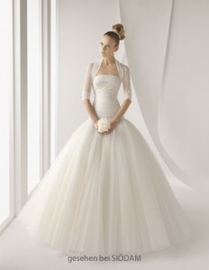 Ein Traum in Spitze und Tüll - das Kleid Acanto von Rosa Clara