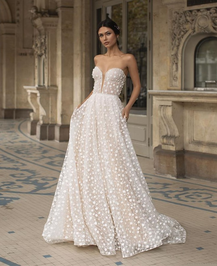 Pronovias Privee Hopkins